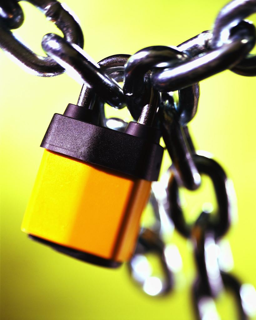 【ニュース】防衛秘密は公文書管理法の適用除外―秘密指定文書は廃棄され歴史的文書として後世の検証を受けないのか?
